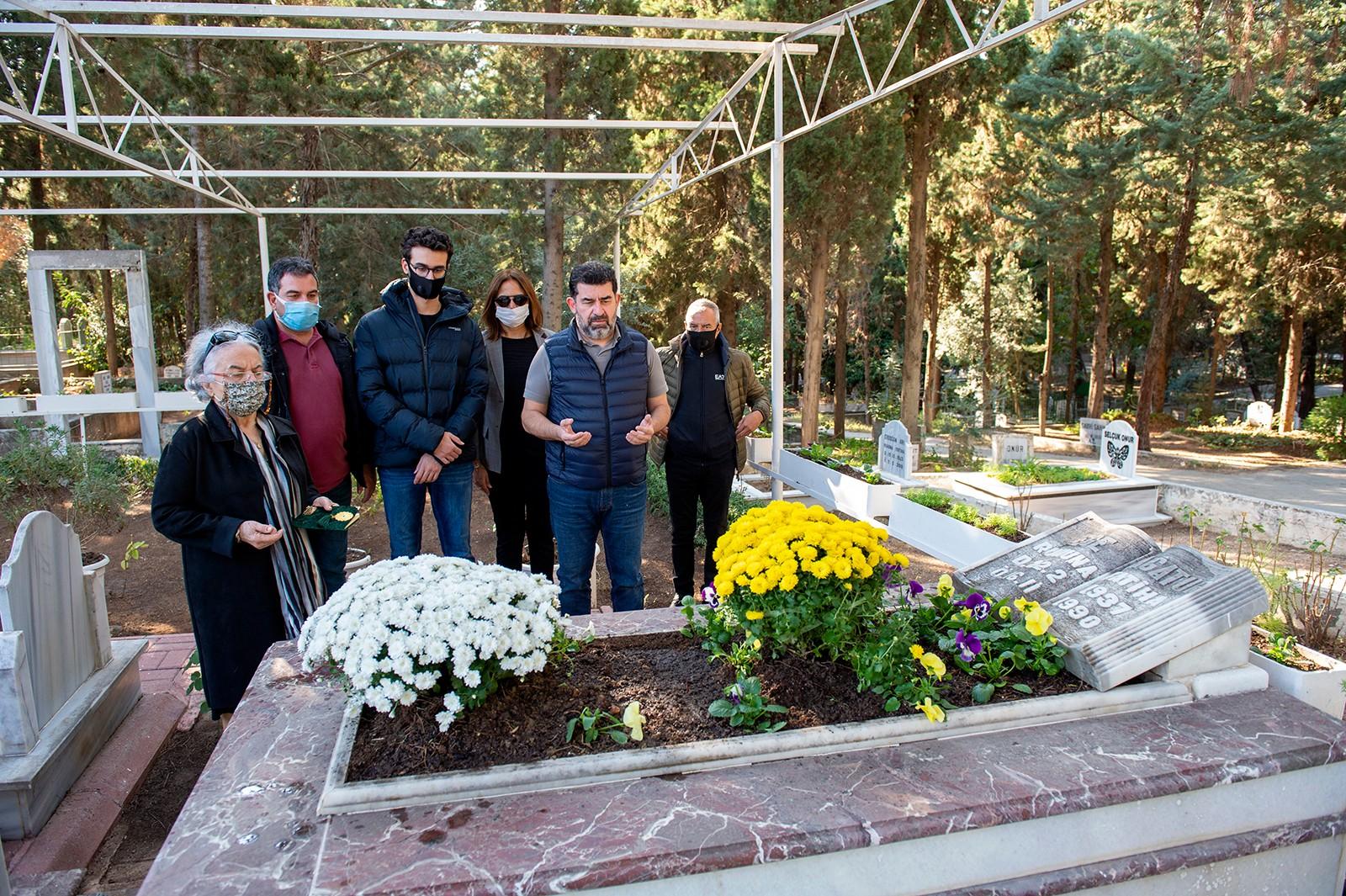 Anma etkinliğine Ege Bağatur'un Eşi Yıldız Bağatur çocukları Artuk ve Çağrı Bağatur ile torunları katıldı
