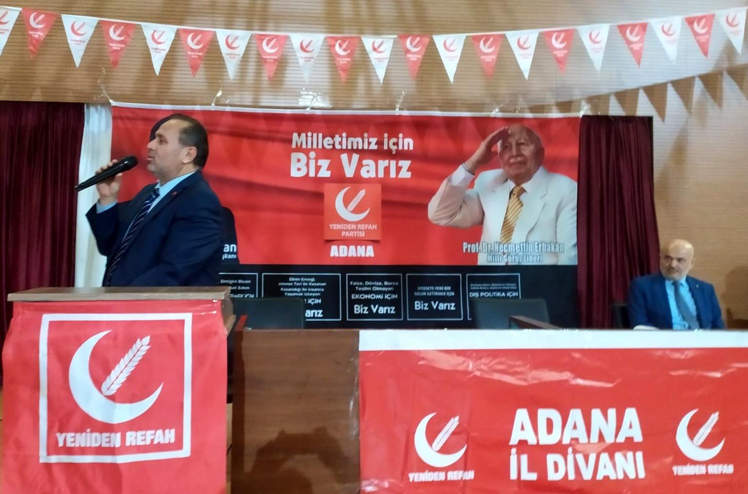Aylık düzenli olarak yaptığı divan toplantılarında Kasım ayı divanına yoğun ilgi vardı. Açılış konuşmasını Adana İl Başkanı Selahattin Baysal yaptı