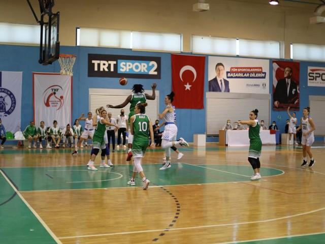 Türkiye Kadınlar Basketbol Ligi'nin ilk haftasında deplasmanda Bodrum Karyaspor ile karşılaşan Ceyhan Belediyesi Basketbol takımı gülen taraf oldu.