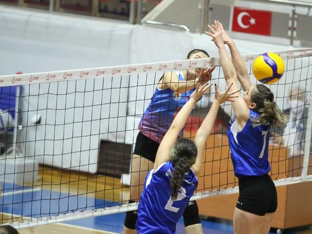 Adana Büyükşehir Belediyesi Spor Kulübü Kadın Voleybol Takımı