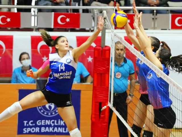 Adanalı kızlardan oluşan takım güçlü rakibi İmamoğlu Belediyespor'u da mağlup etti.