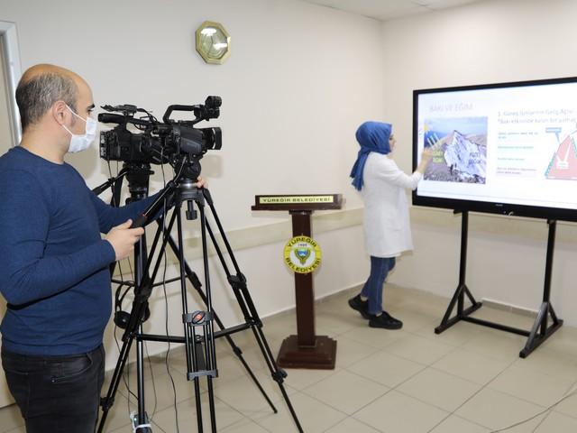 Yüreğir Belediyesi Kültür İşleri Müdürlüğü'nün You Tube üzerinden faaliyete geçirdiği 'E- Yüreğitim' kanalı kısa sürede 400 bin erişim sağladı.