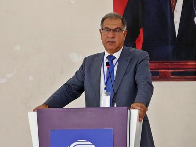 Seyhan Kent Konseyi Başkanı Erkan Karakaya son günlerde basına yansıyan Kilis Kent Koseyi Başkanı Fikret Oguztürk'ü, CHP Genel Başkanı Kemal Kırıçdaroğlu'na hakaret içeren paylaşımlarından dolayı kınadığını açıkladı.