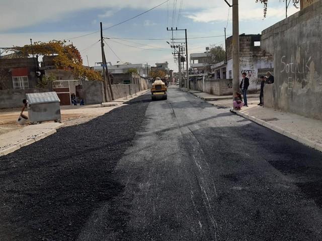 Fen İşleri Müdürlüğü ekipleri ilçe genelinde bozulan yolların onarımı için çalışmalar başlattı