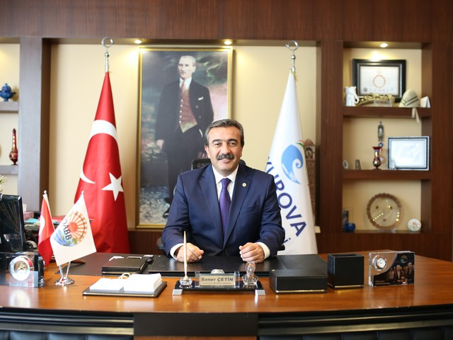 """""""Atatürk'e düşmana karşı direnme ilhamını veren Adana, Büyük Önder açısından büyük önem taşımaktadır. Adana; Büyük Önder'in İstanbul'dan sonra en çok ziyaret ettiği şehirdir. Adanalılar olarak bizler de Büyük Önder'in bize işaret ettiği 'Muasır Medeniyet' seviyesine ulaşmak için çok çalışmak zorundayız. Atatürk ilkelerine bağlılık, cumhuriyet değerlerine sonsuza kadar sahip çıkmak Atatürk'ün çocukları olarak bizlerin boynunun borcudur. Bu duygu ve düşüncelerle Adana'nın Kurtuluş Bayramını kutluyor, Büyük Önder Atatürk ve tüm şehitler ve gazilerimizi saygıyla anıyorum."""""""