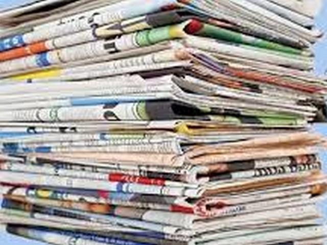 """Ayhan Barut'tan 'gazetelere destek' çağrısı  Basına destek talebi Meclis gündeminde  """"Zor durumdaki gazetelerimiz için de destek paketi açıklayın""""  ANKARA - Cumhuriyet Halk Partisi (CHP) Adana Milletvekili Ayhan Barut, ekonomik krizin ardından gelen salgın süreciyle birlikte gazetelerin çok zor günler yaşadığına dikkat çekerek iktidarı basına destek vermeye çağırdı. Cumhurbaşkanlığı'nca bir kısım esnafa yönelik açıklanan hibe ve kira desteği kararında gazetelerin yer almadığını anımsatan Barut, halkın haber alma hakkı için çalışan basın camiasına sahip çıkılması için iktidarı göreve davet etti.  SORU ÖNERGESİ SUNDU  Cumhurbaşkanı Yardımcısı Fuat Oktay tarafından yanıtlanması istemiyle Türkiye Büyük Millet Meclisi'ne (TBMM) soru önergesi sunan CHP Adana Milletvekili Ayhan Barut, """"Salgın süreci halk sağlığı kadar esnafından çiftçisine herkesi ve ülke ekonomimizi de olumsuz etkiledi. Salgınla mücadelede gelişmiş ülkeler ekonomik anlamda çok ciddi destek paketleriyle yardım organizasyonları yapsa da maalesef ülkemizde sosyal devletin gereği tam olarak yerine getirilemedi"""" diye konuştu.  """"BASIN DESTEK PAKETİNE DAHİL EDİLSİN""""  İktidarı sorumluluk duygusuyla göreve çağıran Ayhan Barut, esnaftan çiftçiye toplumun tüm kesimlerine destek verilmesini isteyerek şunları kaydetti: """"Destek paketleri kapsamında esnaf ve sanatkarlara hibe ve kira yardımı gibi destekler hakkındaki Cumhurbaşkanlığı kararı 24 Aralık 2020 tarihinde Resmi Gazetede yayımlanarak yürürlüğe girdi. Karar kapsamında desteklenecek ekonomik faaliyetler listesi de Ticaret Bakanlığı tarafından duyuruldu. Ne yazık ki salgından olumsuz anlamda en çok etkilenen gazetecilik sektörü desteklenecek 133 ekonomik faaliyet listesinde yer almadı. Halkın haber alma hakkı için çalışan, ekonomik krizin etkisiyle zaten zorda olan ve salgında mağduriyeti daha da artan gazetelerin talepleri göz ardı edildi. Yeni yılın ilk haftasıyla başlayan destek başvurularında gazetelerin de yer almasını, destek paketine dahil edilmesini istiyo"""