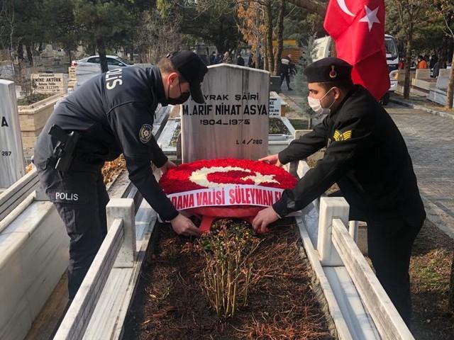 """5 Ocak 1975'te, Adana'nın kurtuluş yıl dönümünde hayata gözlerini yuman """"Bayrak Şairi"""" Arif Nihat Asya, ölümünün 46. yılında mezarı başında anıldı"""