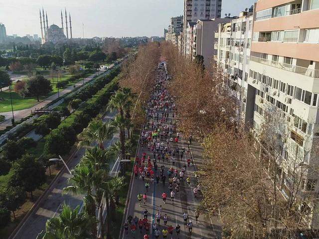 11. Kurtuluş Yarı Maratonu koşuldu