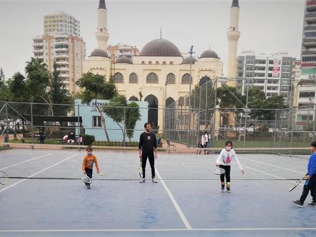 Seyhan Belediyesi'nden ücretsiz tenis kursu HABERİN SONU www.haberinsonu.com