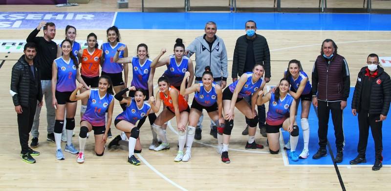 ABBSK Kadın Voleybol Takımı 8. maçında 7. galibiyetini aldı