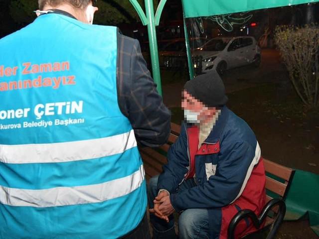 Çukurova Belediyesi Sosyal İşler Müdürlüğü ekipleri