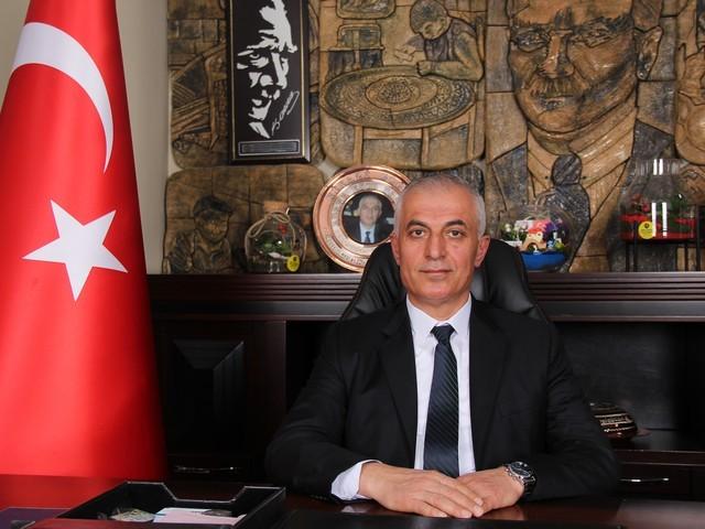 """Adana Esnaf Adana Esnaf ve Sanatkarlar Odaları Birliği (Adana ESOB) Başkanı Niyazi Göger, """"Regaib Kandili ile başlayıp Kadir Gecesi ile sona eren üç aylar, Müslümanlar için manevi bir arınma mevsimidir"""" dedi."""