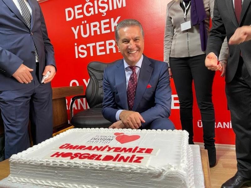 Sarıgül'ün Katılımlarıyla Ümraniye İktidara Hazırlık Merkezi açıldı.