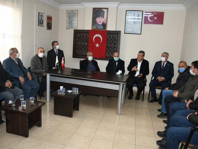 Pazarcık Narlı'da esnafları tek tek dolaşan CHP'li Öztunç ve Barut