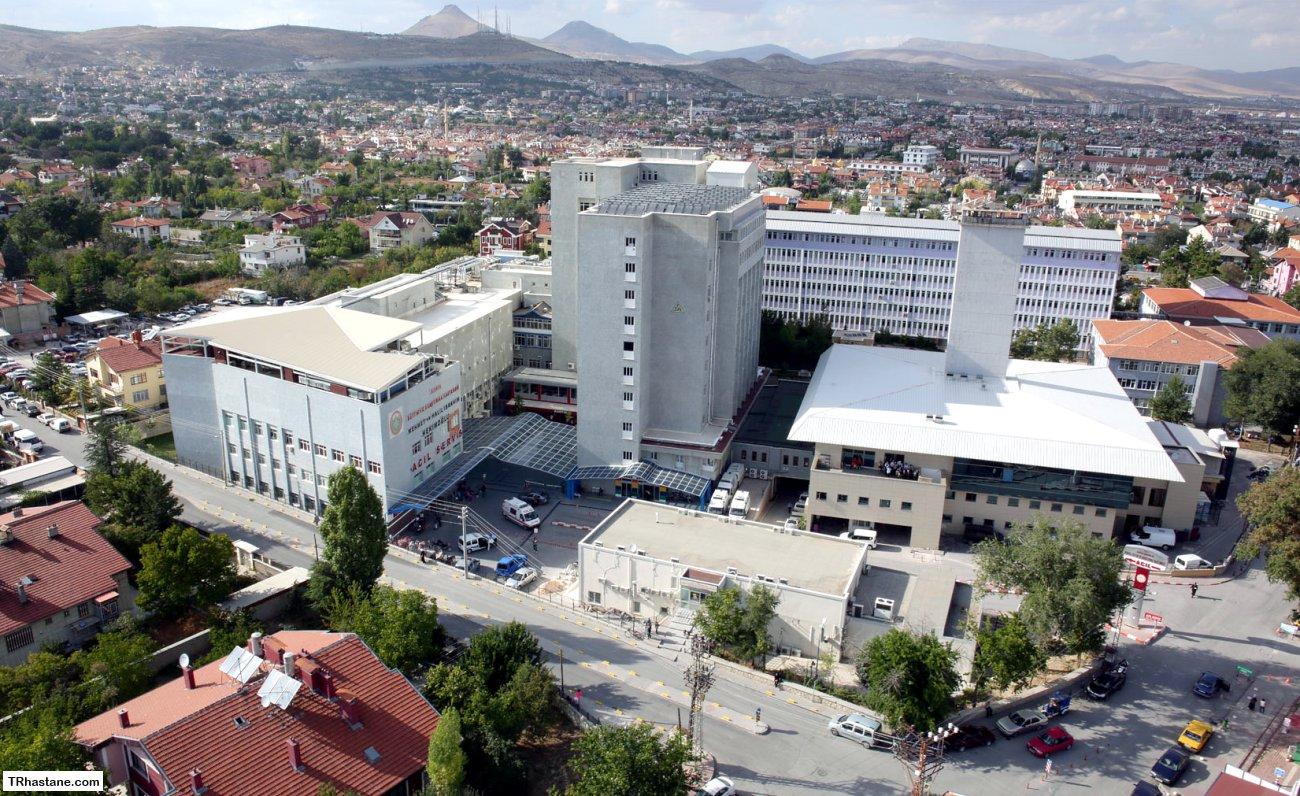 Konya Meram Araştırma hastanesinde Bilinmeyen Bir nedenden Dolaya hastanenin ana oksijen merkezinde patlama oldu