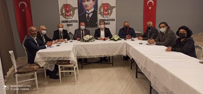 Deva Partisi İl Başkanı Sadullah Kısacık ve İl Yönetimi Çukurova Gazeteciler Cemiyeti'ni ziyaret etti.