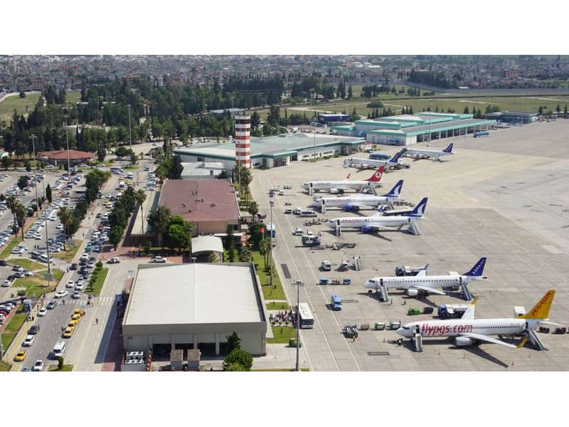 Ayhan Barut, Adana Havalimanı için iktidara bir kez daha çağrı yaptı