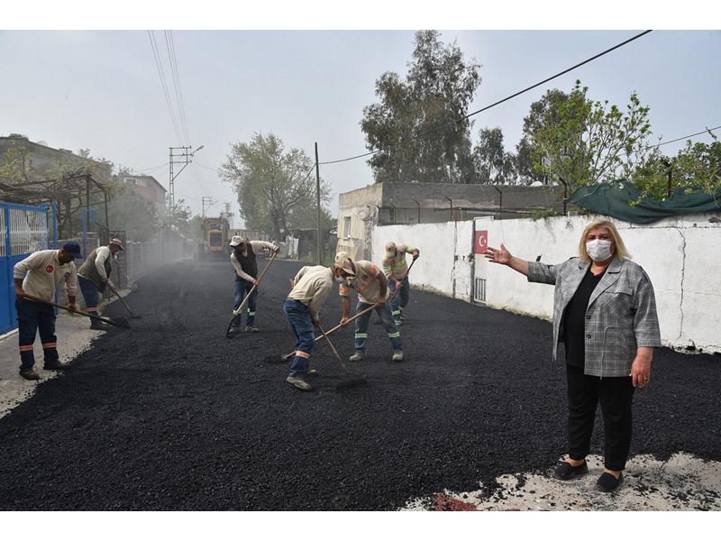 Ceyhan'ın kırsal mahallelerini şehir merkezi kadar önemsediklerini ifade eden Başkan Erdem,