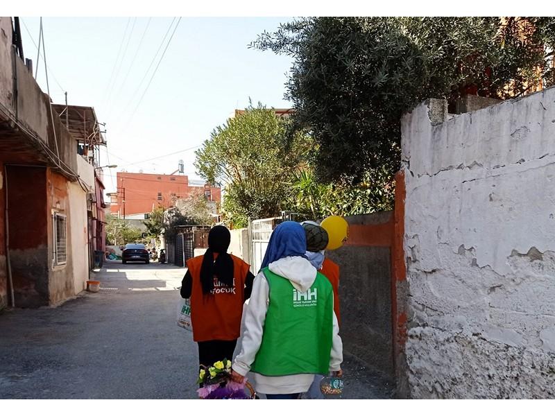 Adana İHH Muhtaç Ailelerin Yanında