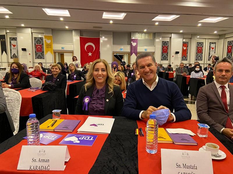 Türkiye Değişim Partisi Genel Başkanı Mustafa Sarıgül, Değişim Kadınları ve Değişim Gençleri ile Antalya'da buluştu.