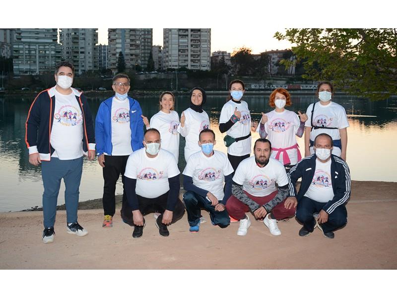Eczacılar Kolon Kanserine koşarak farkındalık yarattı