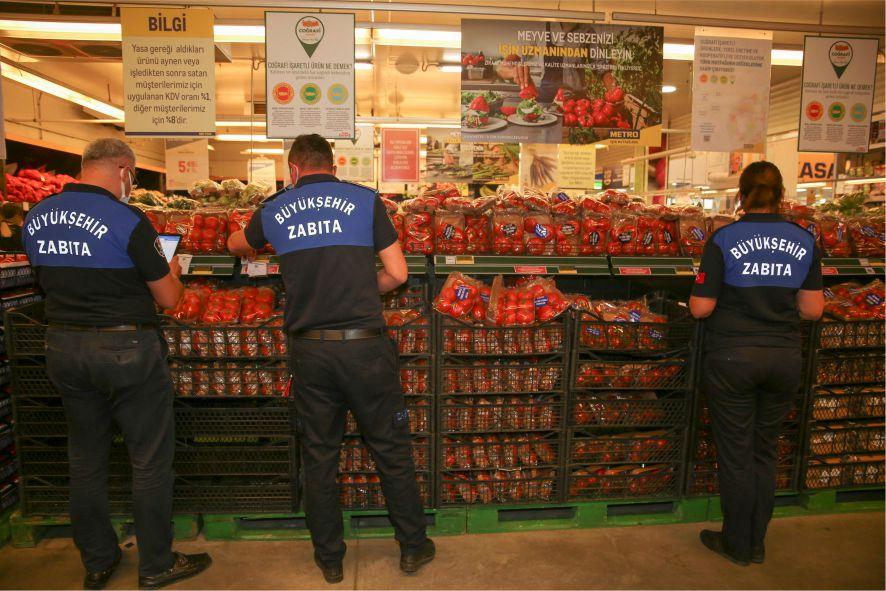 Büyükşehir, Zabıta  sebze meyve fiyatlarıyla ilgili sıkı denetimler gerçekleştiriyor