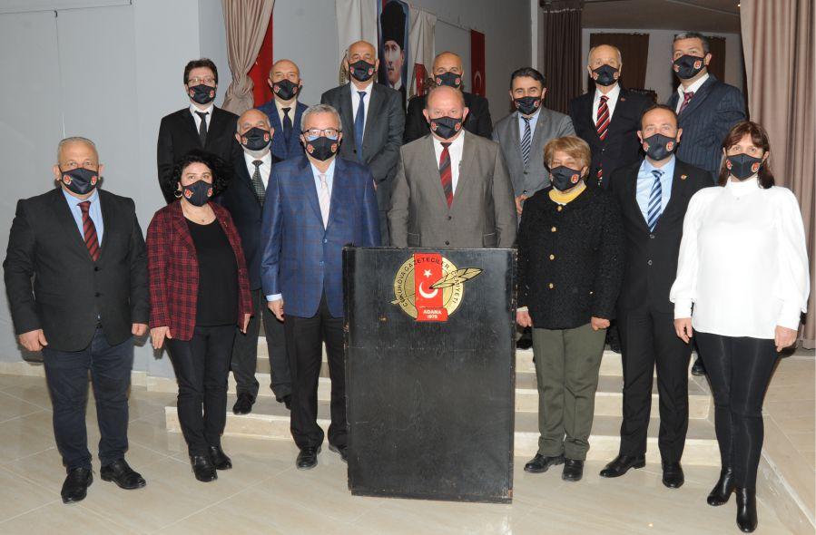 Çukurova Gazeteciler Cemiyeti Başkanı Cafer Esendemir, yönetim kurulu