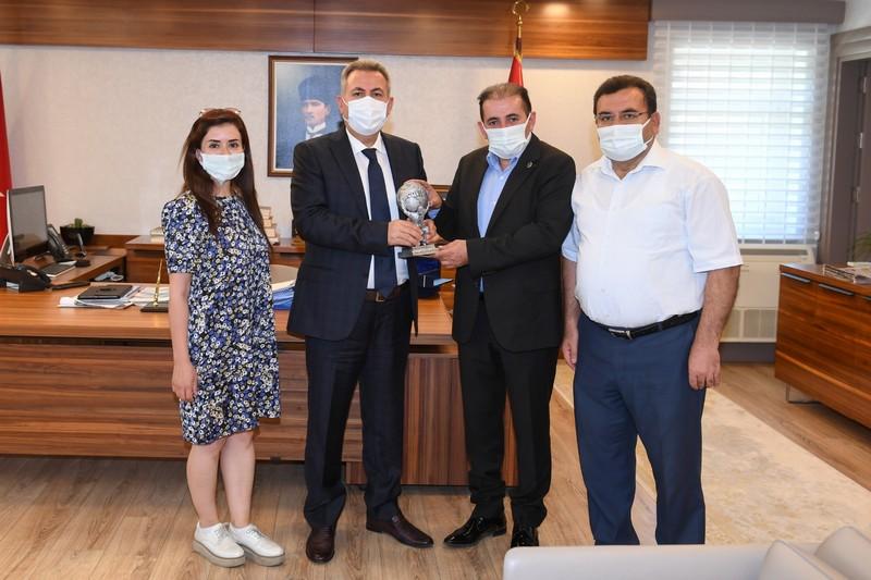 Sağlık-Sen Şube Başkanlarından Vali Süleyman ELBAN'a Ziyaret