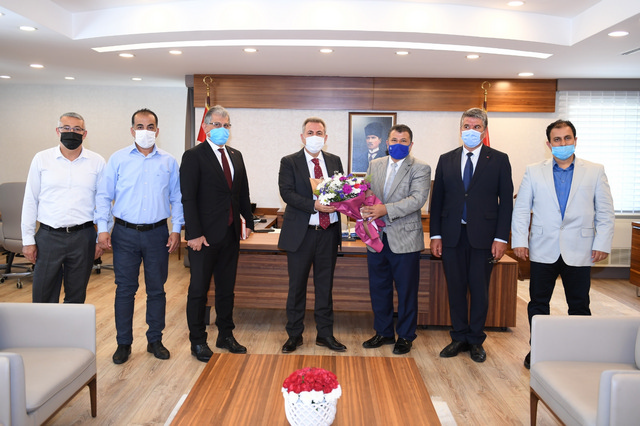 Büro Memursen' Vali Elban'a ziyaret