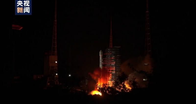 Çin yeni meteoroloji uydusu fırlattı..