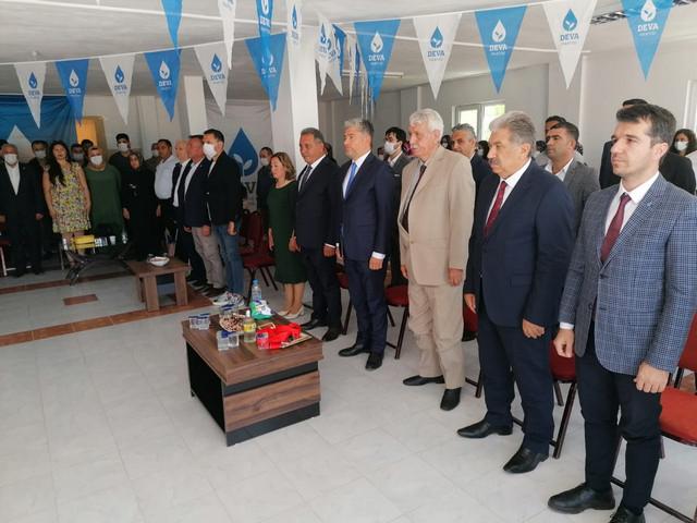 KISACIK : Deva Partisi İddialı bir partidir. Devlet'in yönetimini de Adana'nın yönetimine de talibiz.