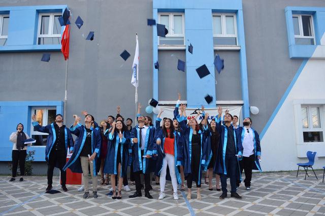 Özel Doruk Koleji Anadolu Lisesi'nde Mezuniyet Coşkusu
