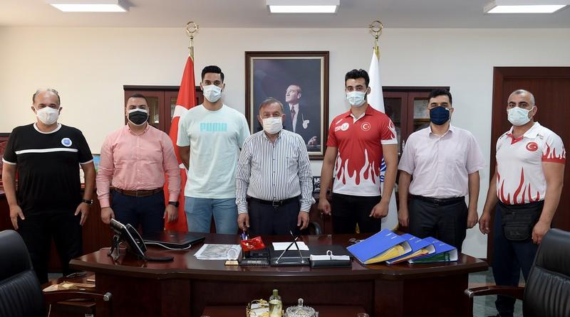 Seyhan Belediyesporlu Umut, Hentbol Milli Takım Kampı'nda