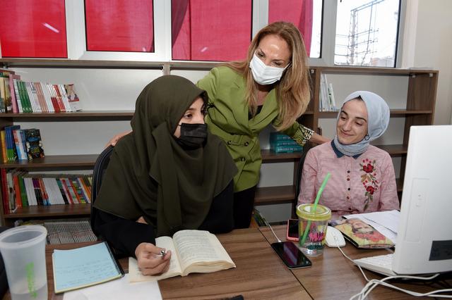 Seyhan'da Kadınlar Üretiyor