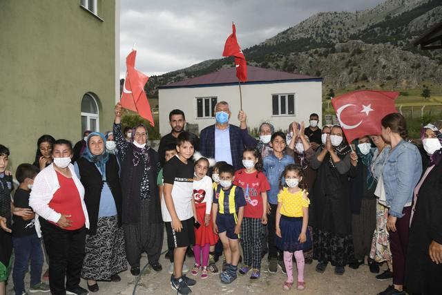 Adana Gibi Başkan seçimden seçime değil, ihtiyaç olduğunda halkın yanında