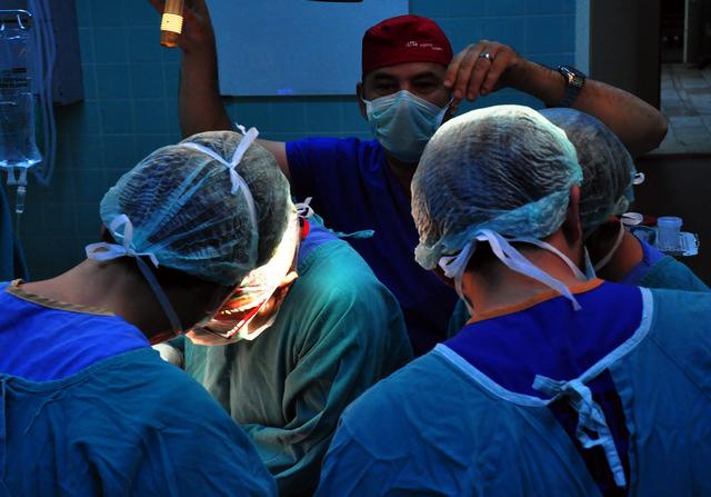 Ünlü Cerrahlar Balcalı Hastanesinde Buluşuyor