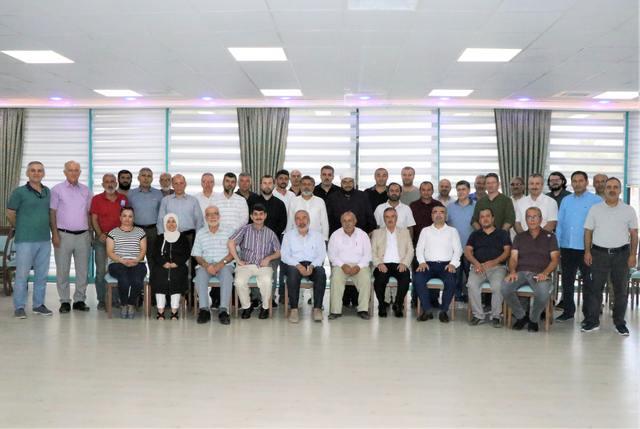 Adana'da ASİM öncülüğünde bir araya gelen STK'lar ortak bir basın açıklaması yaparak Mısır'da Muhammed Biltaci, Ossama Yassin, Saffet Hicazi gibi önemli isimlerin de olduğu 12 siyasi mahkumun idam cezasına çarptırılmasıyla ilgili bir basın açıklaması düzenledi.