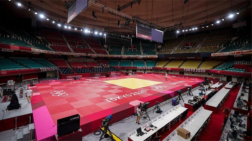 İsrailli rakibiyle eşleşmemek için Tokyo 2020'den çekilen Cezayirli judocunun lisansı askıya alındı