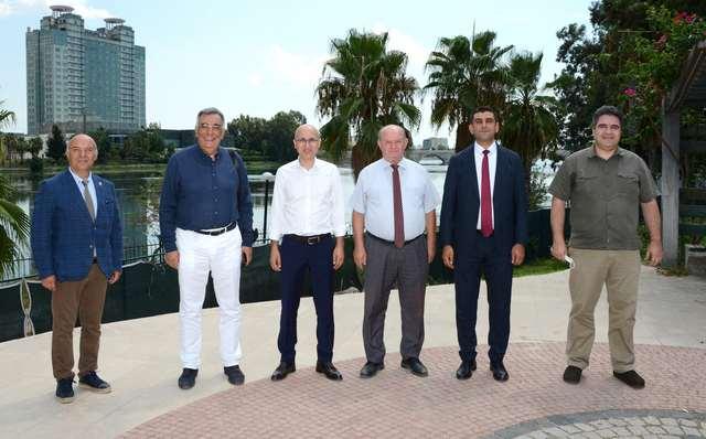 ADAMOB, Çukurova Gazeteciler Cemiyeti Başkanı Cafer Esendemir'e nezaket ziyaretinde bulundu.