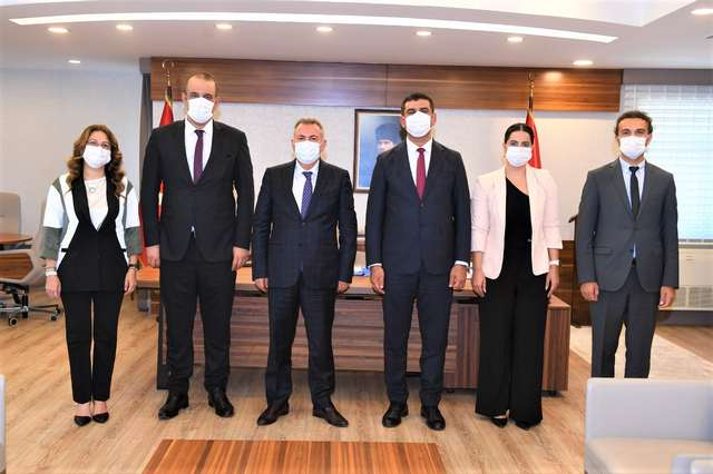 Baro Başkanı Av.Semih Gökayaz Ve Yönetim Kurulu Üyeleri, Adana Valisi Süleyman Elban'ı Ziyaret Etti