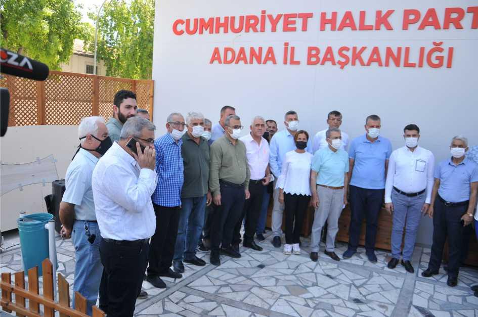 Yüreğir Belediyesi Basın ve halkla İlişkiler Müdürü (Osman Nuri Ünsal ) Sosyal Medya hesabından ATA'mızı hedef alan mesnetsiz paylaşımı Adana Kamuoyuna .Büyük tepkisine Yol açtı.