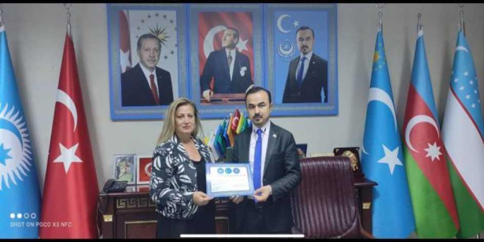 Doğu Türkistan Ankara büyükelçisi Yilmaz Gülümser Yardımcısı Asuman Özdemir