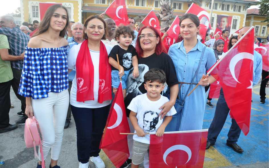 Müzeyyen Şevkin 30 Ağustos Zafer Bayramı Kutlamsı