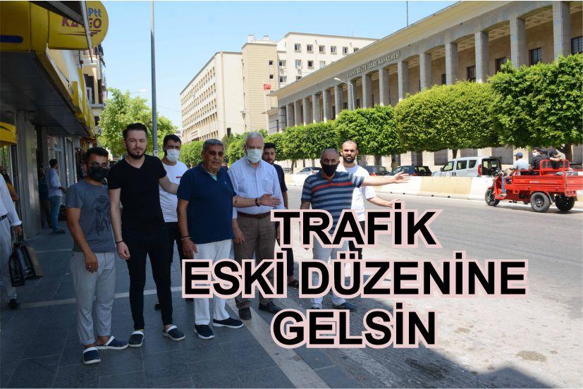 Adana'nın Seyhan İlçesi, İnönü Caddesi üzerindeki Adalet Sarayı'nın yeni binaya taşınma işleminin sona ermesiyle birlikte bölgedeki esnaflar, beton bariyerlerin kaldırılarak, trafik akışının eski haline getirilmesini istedi.