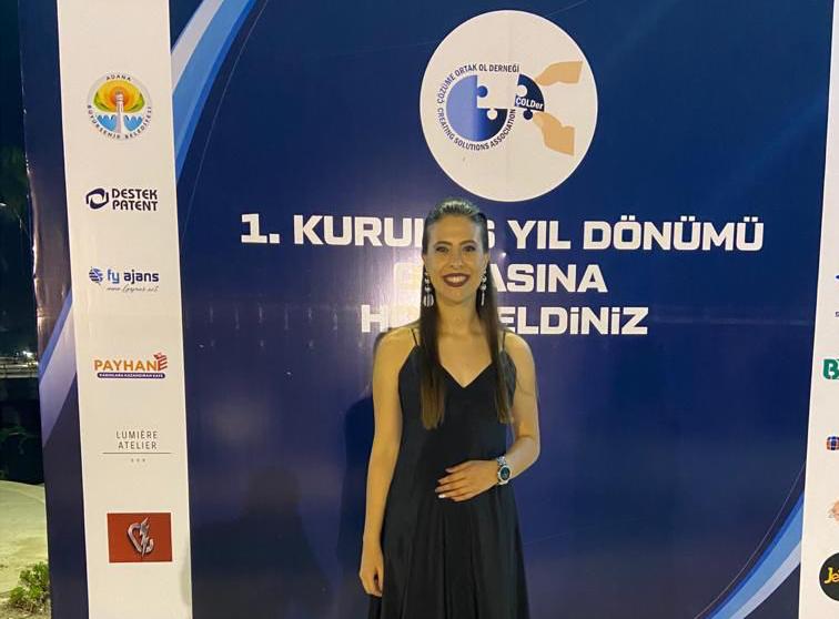 Adana'da faaliyet gösteren Çözüme Ortak Ol Derneği (ÇOLDer) Başkanı Avukat Akademisyen Özge Demirdelen,